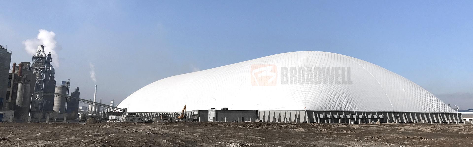 世界最大跨度水泥工业原料充气膜棚——天山股份充气膜水泥原料棚